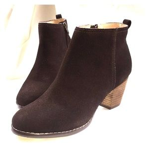 New! Lands End Chocolate Brown Booties! Size 7.5
